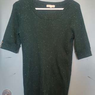 Scoop neck dark green sweater