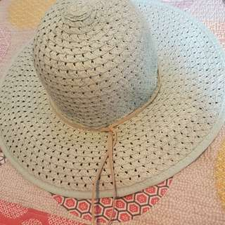 Cream and blue Sportsgirl sun hats