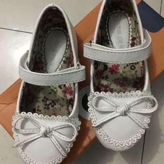 Meet my feet white doll shoes