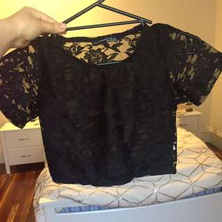 Black crop lace tshirt