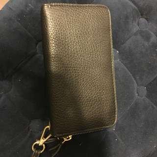 Black double zipper wallet form Chapters