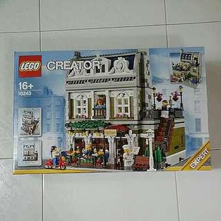 Lego creator 10243 Parisan Restaurant.