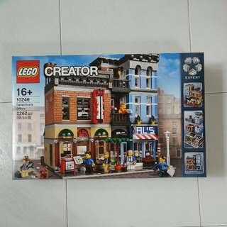 Lego creator 10246 Detective's Office.