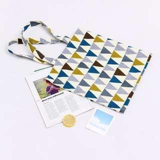 🚚 ^伊啵^三角形幾何圖形  肩背包 帆布袋 購物包拉鍊 側背包 手提袋 帆布包 011B1382