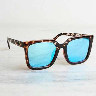 Quay - Mila Tort/blue Mirrored Sunglasses