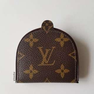 Authentic Louis Vuitton Monogram Change Coin Purse LV