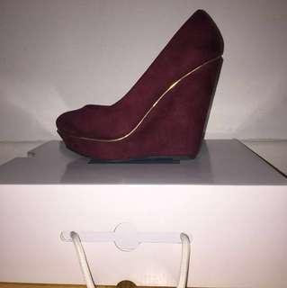 *NEW* Club Couture Burgundy Faux Suede Platform Wedges Sz 7