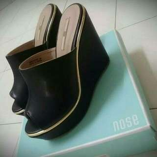 ( REDUCE !! ) Wedges Nose Brand