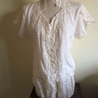 White Short Sleeves Indo Kebaya