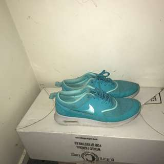 Nike aqua women's Thea's