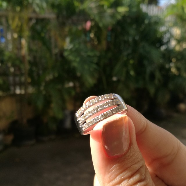 14k white gold ring with diamonds