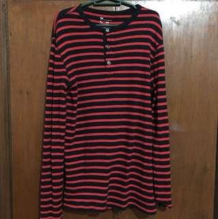 GAP Black & Red Pullover