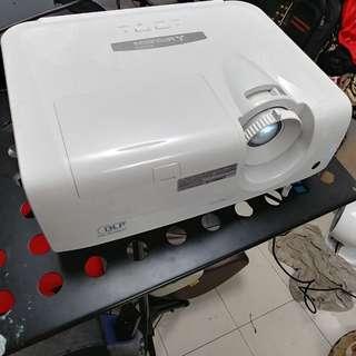 三菱投影機 XD250U