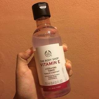 Body shop Vitamin E Hydrating Toner