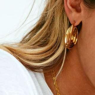 Verge girl - Amalia Gold Hoops