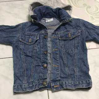 kids denim jacket with hoddie(removeable) 3 to 5 yr old