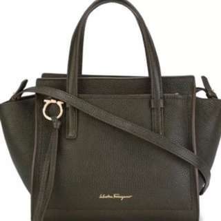 Salvatore Ferragamo Amy grained tote shoulder bag - with receipt