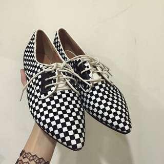 黑白格紋尖頭鞋