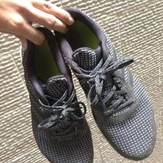 Adidas bounce m