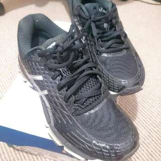 Oasics Gel Kayano Black Size Au 6.5
