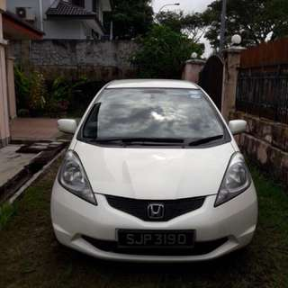 White 1.3A Honda Fit for Rent!