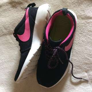 Nike Roshe Run Authentic