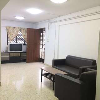 Blk 557 Ang Mo Kio For Rent. Corner spacious unit.