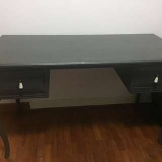 Study desk with 2 drawers