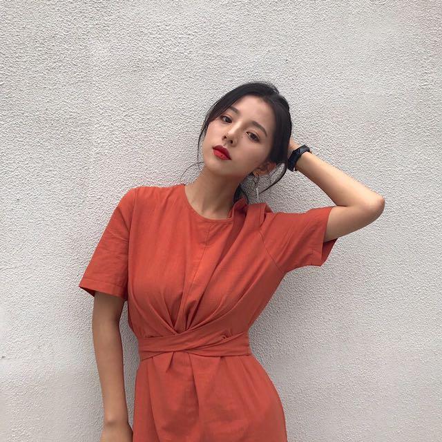 綁帶造型微開叉長洋裝「橘色」