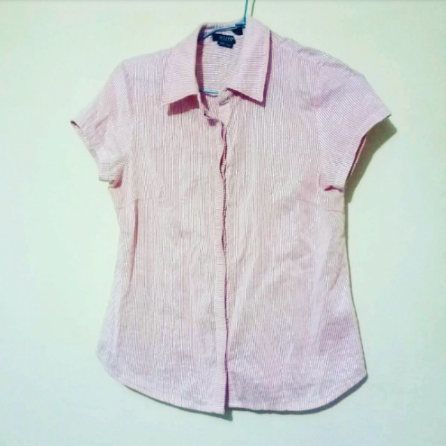 粉色金條紋襯衫