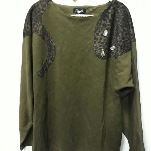 綠色豹紋長袖上衣