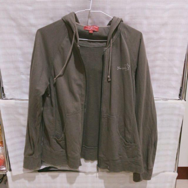 鐵灰色外套