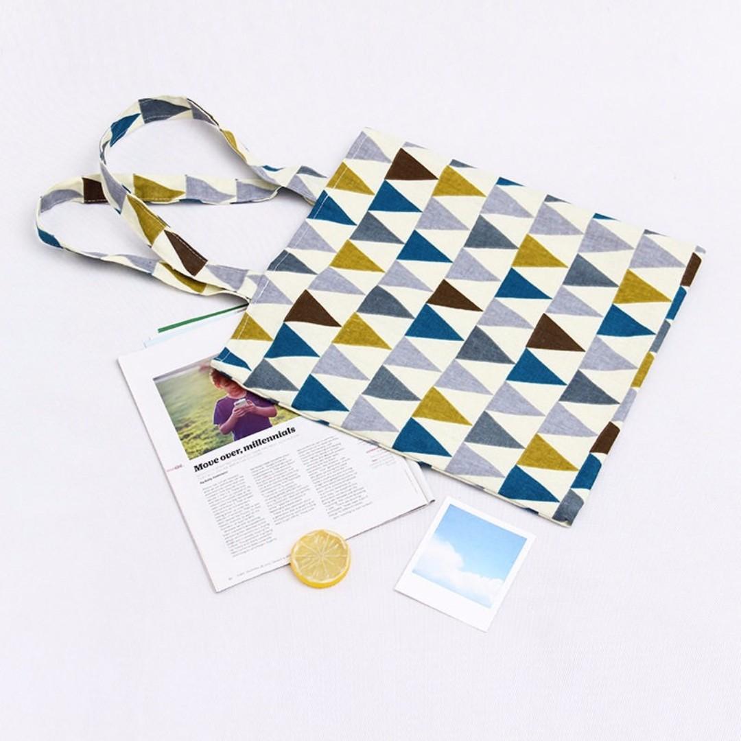 ^伊啵^三角形幾何圖形  肩背包 帆布袋 購物包拉鍊 側背包 手提袋 帆布包 011B1382