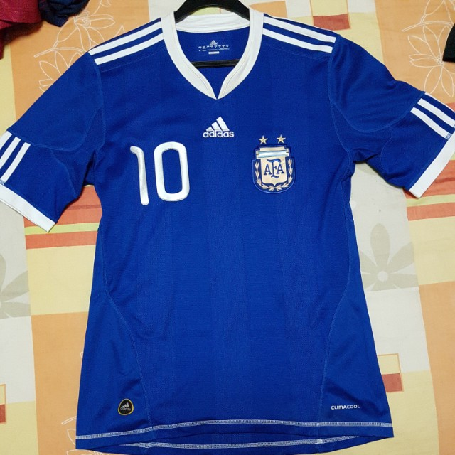 b8943cb21 Argentina 2010 World cup kit size s with Messi 10 printing