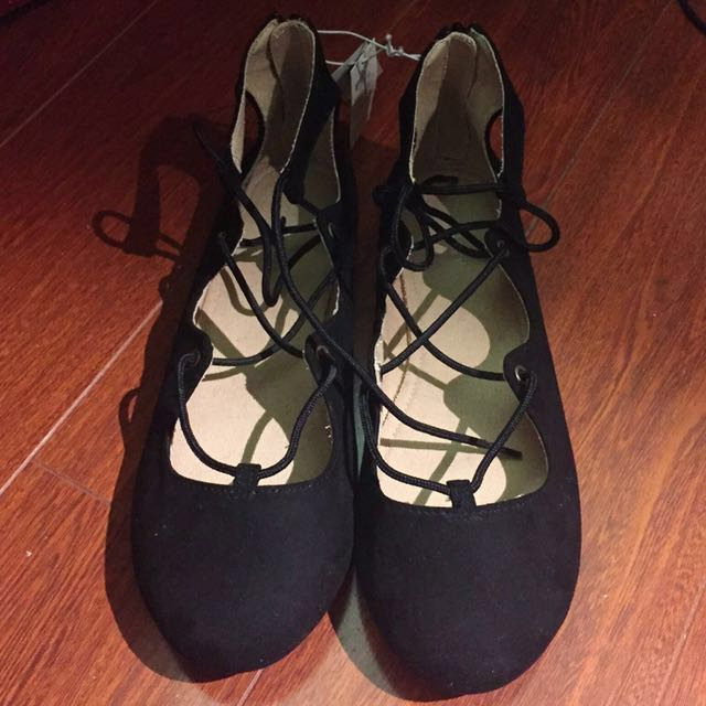 Black flats with laces || Size 5