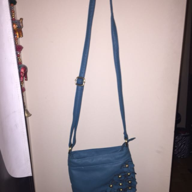 Blue flower purse