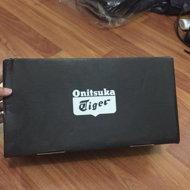 Box Sepatu Original Onitsuka Tiger beserta TAG dan OT-OP-CARD