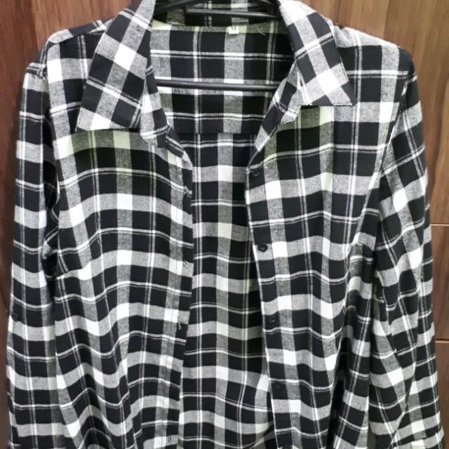 Checkered b&w longsleeve
