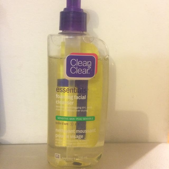 Clean and clear foaming facial cleanser