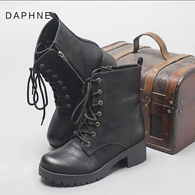 達芙妮Daphne 馬丁鞋 低筒 ❤️ 黑色 出清