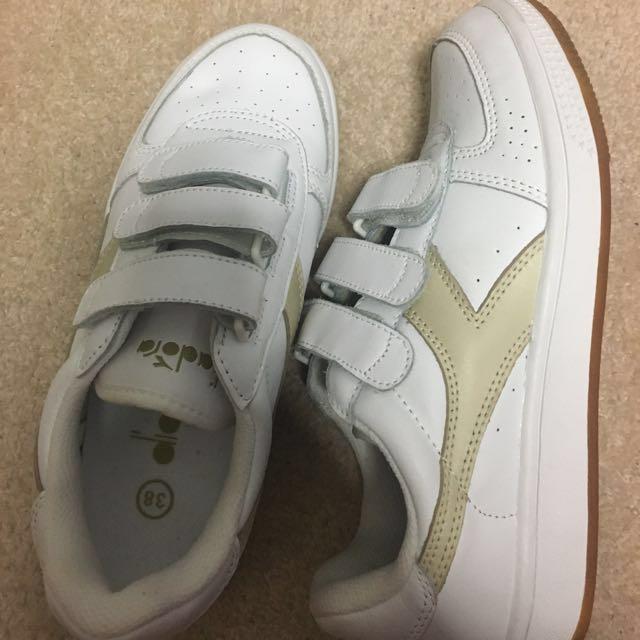 diadora shoes NEW