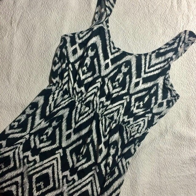 Dress aztec print