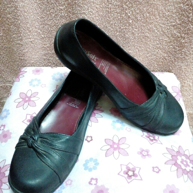 Easy Soft shoes size 7