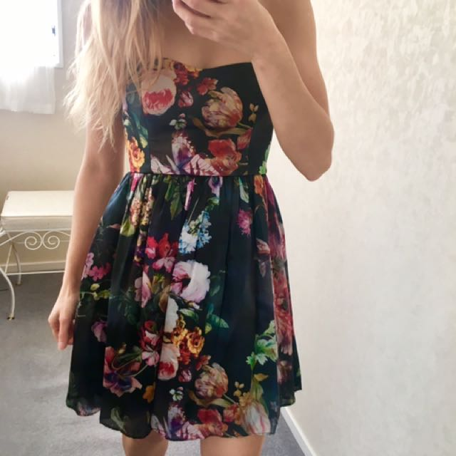 FOREVER NEW SIZE 6 DRESS EXC COND SILK