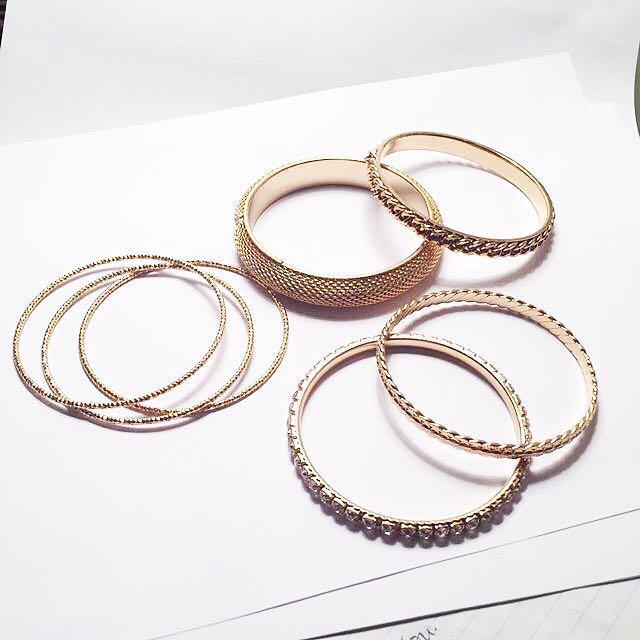 Gold Women's Bangles/Bracelets