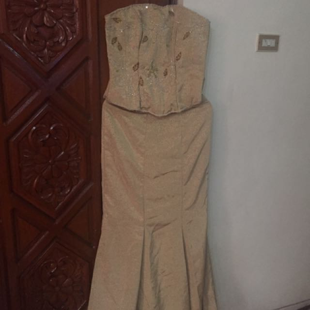 Gown ( Gold) used