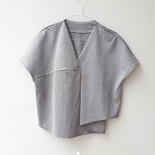 GREY CHIC TOP