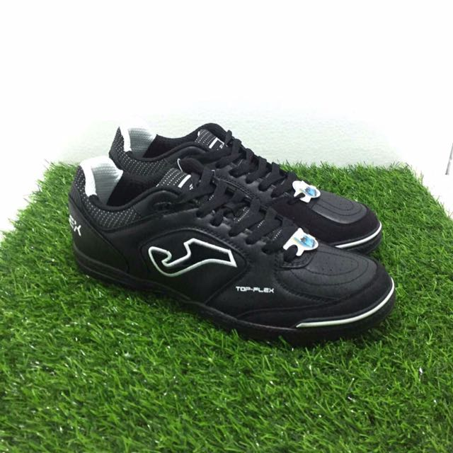 16fb74984db1 Kasut futsal Joma, Sports, Athletic   Sports Clothing on Carousell