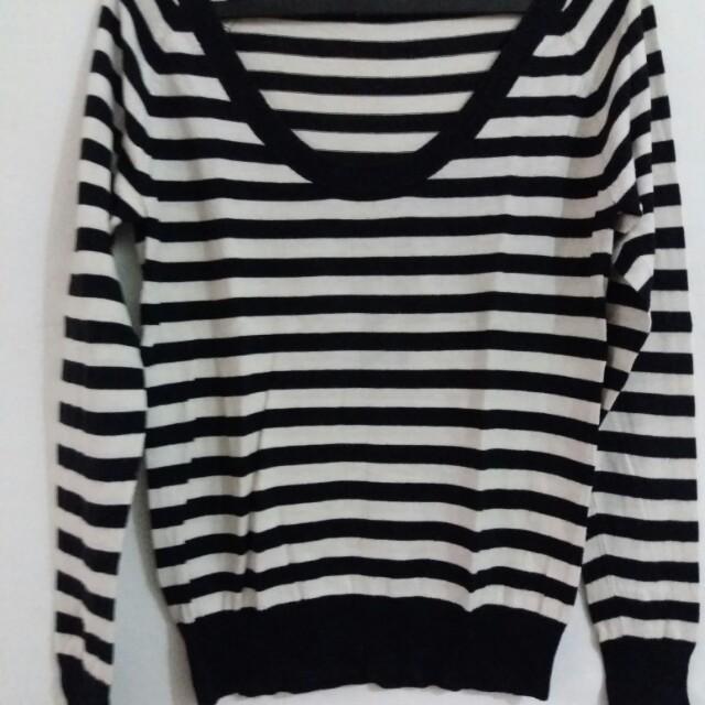 Knit BW stripes