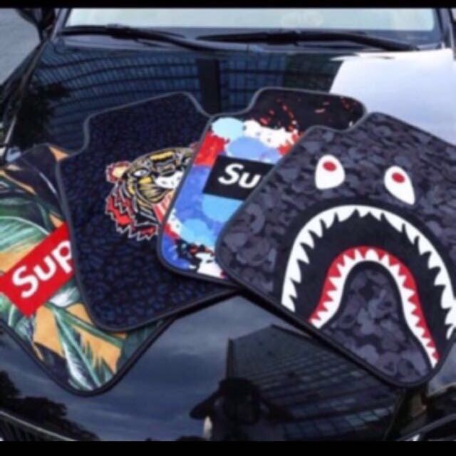 Supreme Car Floor Mats - Just Me And Supreme
